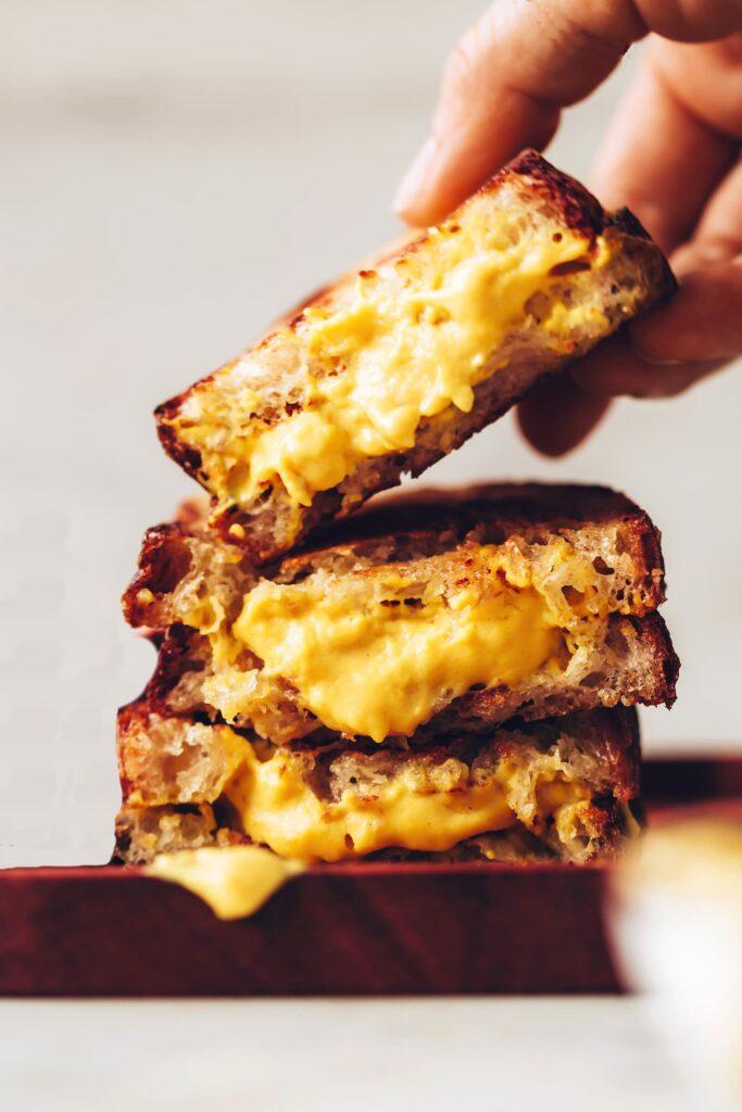 sandwich de queso vegano